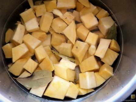 Steckrüben-Kartoffel Stampf mit versunkenen Eiern (12)