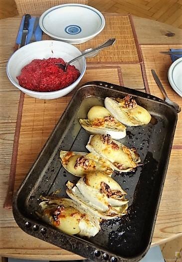 Chicoree, Birne, Gorgonzola und roter Reis (19)