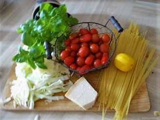 Spitzkohl, Linguine,Snackpperika, Tomaten und Muscheln (10)