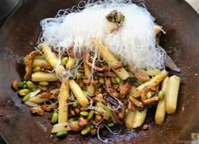 Geschnetzeltes mit Gemüse und Glasnudeln (18)