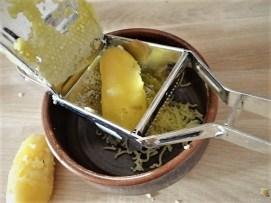 Sauerampfersuppe, Salat und Rhabarber Crumble (13)