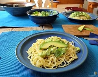 Pasta mit Muscheln, Garnelen und Avocadosauce (19)