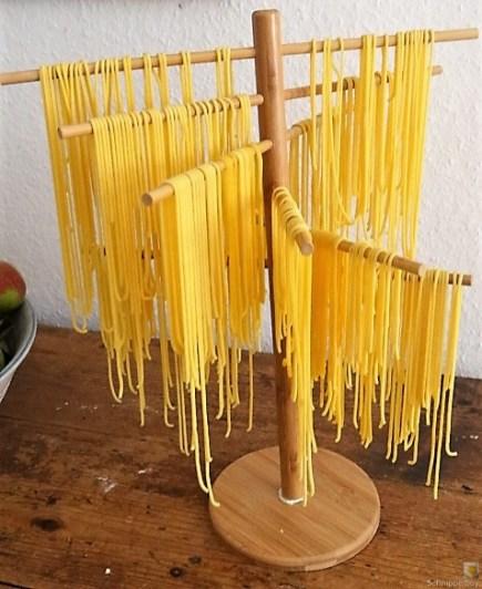 Selbst gemachte Spaghetti mit gebratenen Champignons (12)