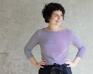 Nähanleitung Shirt nähen - Schnittmuster Shirt Damen mit U-Boot-Ausschnitt Modular Collection - Schnittduett - Moderne Schnittmuster für Frauen, die minimalistische Mode lieben