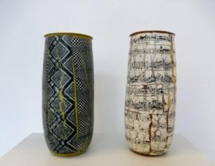 Martin Möhwald, zwei hohe Vasen - Ausstellung terra rossa Leipzig Foto: Schnuppe von Gwinner