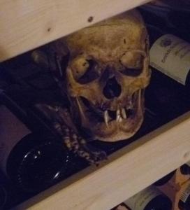 Jeder hat irgendwelche Leichen im Keller...