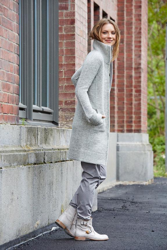Mantel aus Filzwolle mit Stehkragen in Rauchgrau