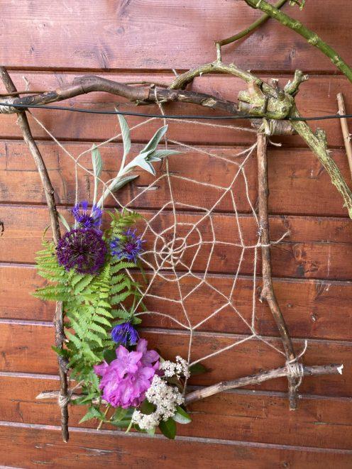 Spinnennetz Juni