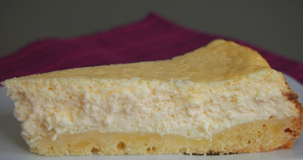 Cremiger Cheesecake (wer möchte: mit Blaubeersoße)