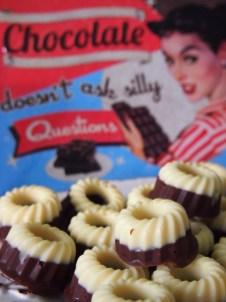Gilt auch für Pralinen: Chocolate doesn't ask silly questions. Chocolate understands.
