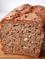 Haselnuss-Roggen-Dinkel-Brot