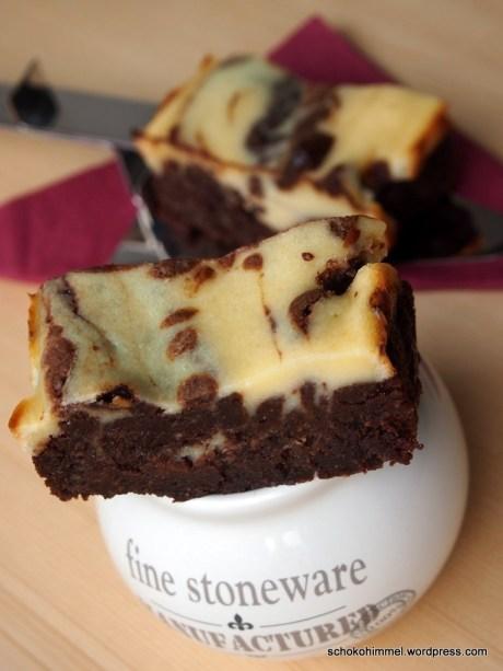 Cheesecake-Brownies sind eine Sünde wert