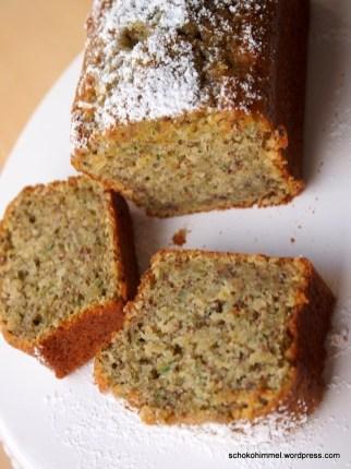 Saftiger Zucchini Nuss Kuchen Ein Zuckersusser Blumengruss