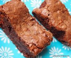 Nuss-Nougat-Brownies aus der Kastenform