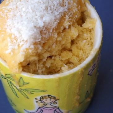 Tassenkuchen-Alarm: mug cake mit weißer Schoko & Kokos [+ Buchvorstellung]