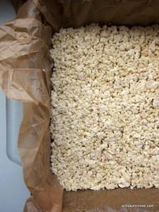 kein Popcorn-, sondern ein Reiswaffel-Mandel-Schoko-Kuchenboden