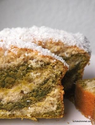 Matcha-Kuchen mit Kokosmilch und Kokos-Guss