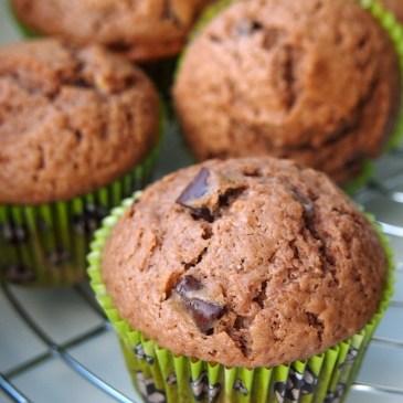 Saftige Nuss-Nougat-Muffins mit extradicken Schokostückchen