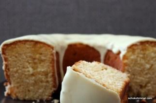 Kleiner Kuchen mit O-Saft