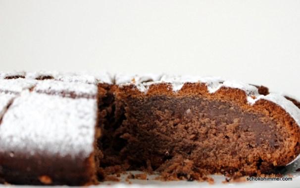 Traubensaft-Kuchen mit Mandeln und Kakao
