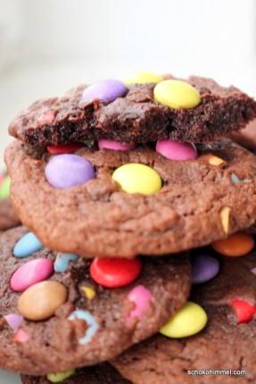 chewy Schoko-Cookies mit Smarties