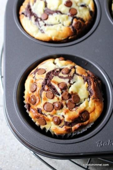 XXL-Muffins mit Schoko und Cheesecake-Creme