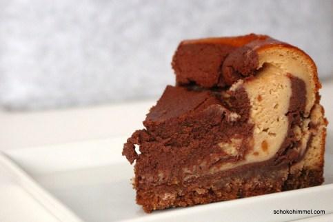 Erdnussbutter-Schoko-Cheesecake mit Spekulatiusboden