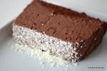 cremiges Dessert mit Schokolade