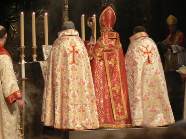 Messe pontificale en rit arménien à Notre-Dame de Paris