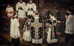 Changement d'ornements avant la lecture du testament de Louis XVI