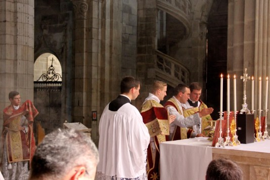 Au canon de la messe.