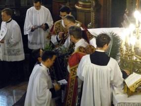 Rameaux 2014 - 9 - distribution des rameaux aux clercs & aux chantres