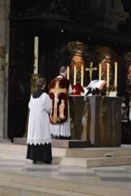 03 - Messe de départ célébrée par M. l'Abbé Iborra dans Notre-Dame-de-Paris - vigile de la Pentecôte