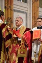 28 - Messe pontificale du lundi de Pentecôte célébrée par Mgr Aillet dans la cathédrale de Chartres