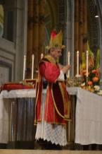 32 - Messe pontificale du lundi de Pentecôte célébrée par Mgr Aillet dans la cathédrale de Chartres