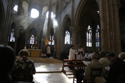 03 - messe du samedi des Quatre-Temps de septembre en la collégiale Notre-Dame de Mantes - pendant les 5 prophéties du samedi des Quatre-Temps