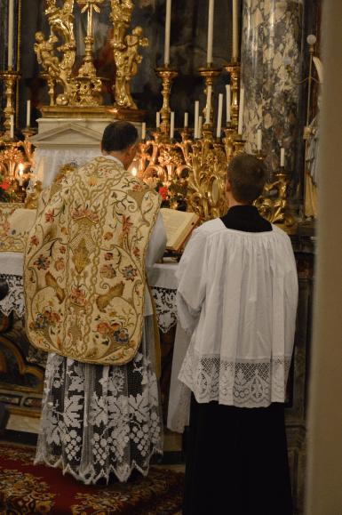 Messe de la fête du saint Cœur de Marie près de Turin 02
