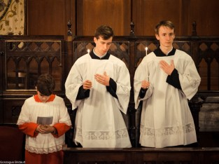 Requiem pour Louis XVI en 2014 - grands et petit clercs