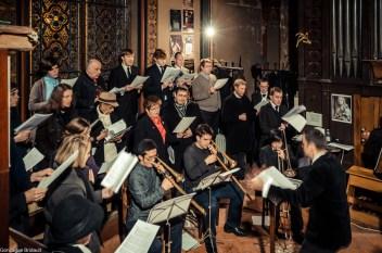 Requiem pour Louis XVI en 2014 - la Schola Sainte Cécile avec ses sacqueboutiers chante la messe de requiem des rois de France d'Eustache du Caurroy