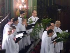 Rameaux 2015 - 19 - les chantres pendant le chant de la Passion selon Matthieu
