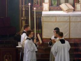04 - Jeudi Saint 2015 - chant de l'évangile par le diacre