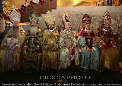16-Consécration du saint myron par Aram Ier