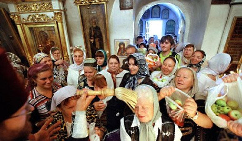 Bénédiction des fruits à la Transfiguration en Russie 01