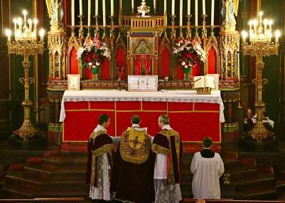 04 - Oraison après l'aspersion dominicale - Sainte Cécile 2015