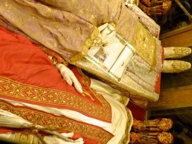 04-reliques des saints Ambroise Gervais et Protais à Milan