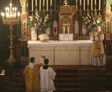 08-Epiphanie 2016 - Encensement du célébrant après l'évangile