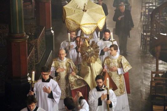 09-Messe d'exposition des Quarante-Heures - procession du Saint Sacrement