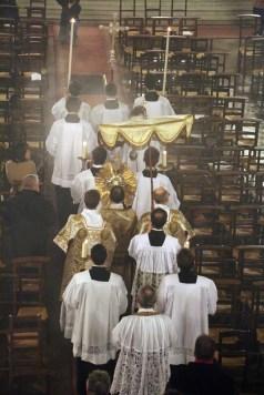 10-Messe d'exposition des Quarante-Heures - procession du Saint Sacrement