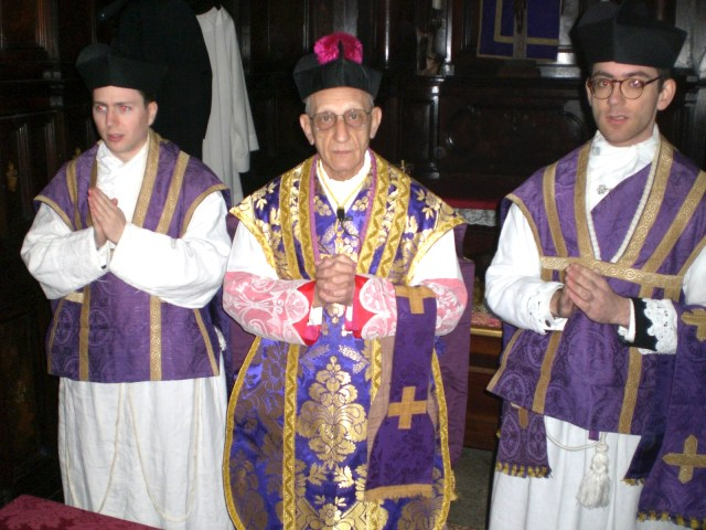 Messe de Mgr Amodeo au Panthéon. Rome.