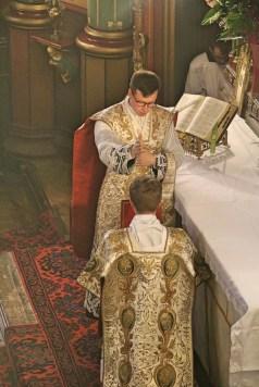 08 - Dimanche du Bon Pasteur 2016 - bénédiction du diacre devant chanter l'évangile